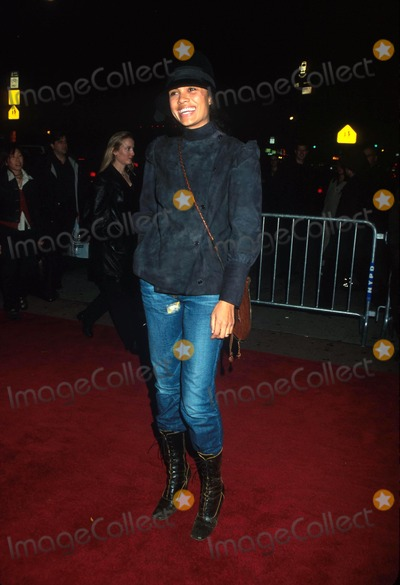 Amel Larrieux Photo - Sd1126 Amel Larrieux the Independent Premiere Village East Theatrenyc Photohenry McgeeGlobe Photos