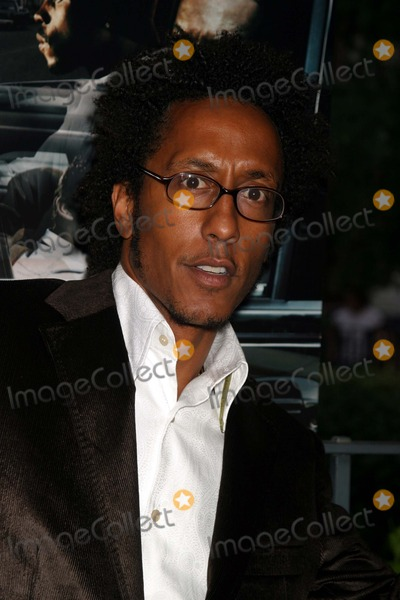 Andre Royo Photo - Andre Royo Arriving at the Premiere of the Third Season of the Wire at Chelsea West Theaters in New York City on September 14 2004 Photo by Henry McgeeGlobe Photos Inc 2004