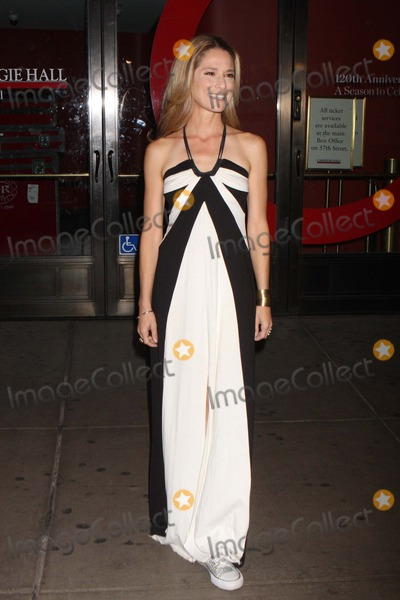 Cat Greenleaf Photo - Cat Greenleaf Arriving at Glamour Magazines 21st Annual Women of the Year Awards at Carnegie Hall in New York City on 11-07-2011 Photo by Henry Mcgee-Globe Photos Inc 2011