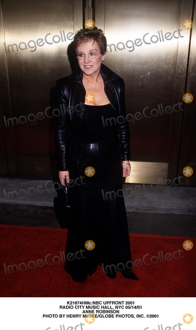 Anne Robinson Photo - nbc Upfront 2001 Radio City Music Hall NYC 051401 Anne Robinson Photo by Henry McgeeGlobe Photos Inc
