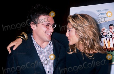 Anthony Russo Photo - Sd0926 Welcome to Collinwood Screening at the Bryant Park Hotel New York City Photo Henry Mcgee Globe Photos Inc 2002 Anthony Russo  Jennifer Esposito