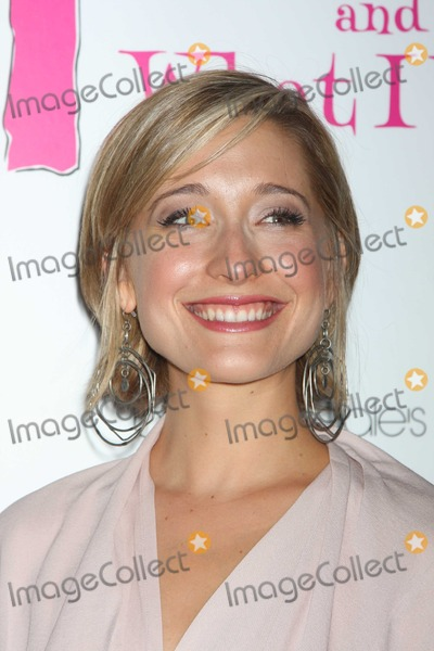 Allison Mack Photo - NYC  072910New cast member Allison Mack (Smallville) at the party to celebrate the new cast of the Off-Broadway play Love Loss and What I Wore at 44 12Photo by Adam Nemser-PHOTOlinknet