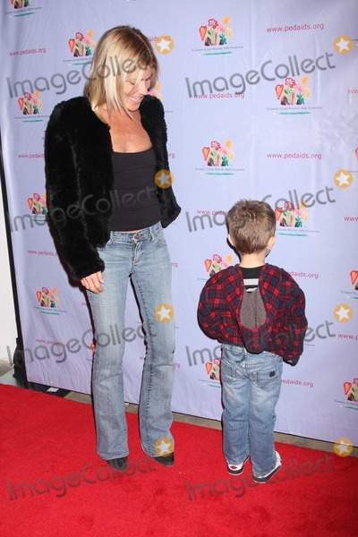 LIZZY GRUBMAN Photo - NYC  110610Lizzie Grubman and son Harrison Stern (4 years old) at the 17th Annual Kids For Kids Family Carnival benefiting The Elizabeth Glaser Pediatric AIDS Foundation at Skylight StudioPhoto by Adam Nemser-PHOTOlinknet