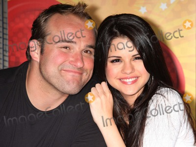 Selena Gomez Photo - NYC  090608Selena Gomez and David DeLuise(Disney Channels Wizards of Waverley Place) signing autographs at the Disney Store 5th AvenueDigital Photo by Adam Nemser-PHOTOlinknet