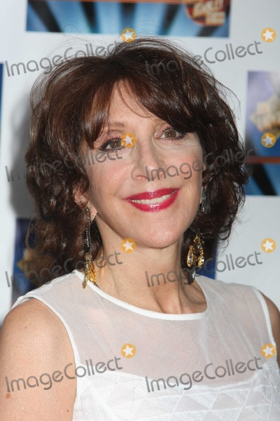 Andrea Martin Photo - NYC  040410Andrea Martin at opening night of Lend Me A Tenor on Broadway at The Music Box TheatreDigital Photo by Adam Nemser-PHOTOlinknet