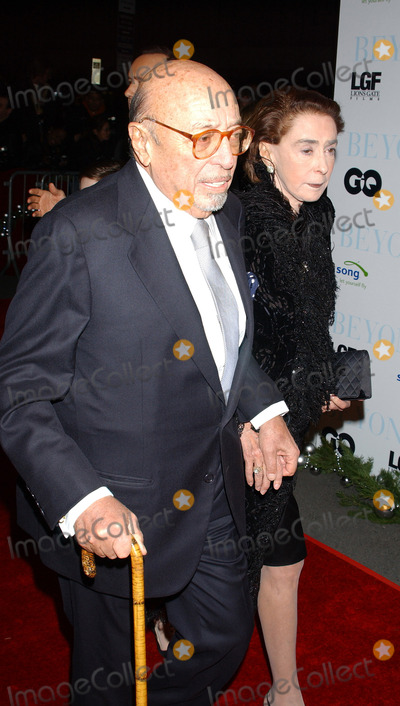 Ahmet Ertegun Photo - NEW YORK DECEMBER 8 2004    Ahmet Ertegun and Mica Ertegun at the Beyond the Sea premiere at the Ziegfeld Theater