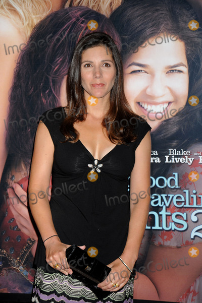 Ann Brashares Photo - Writer Ann Brashares attends the Sisterhood of the Traveling Pants 2 premiere held at the Ziegfeld Theatre on July 28 2008 in New York