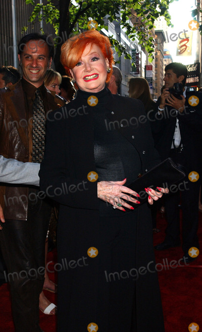 Anne Robinson Photo - NEW YORK JUNE 23 2005    Ann Robinson at the premiere of War of the Worlds at the Ziegfeld Theater