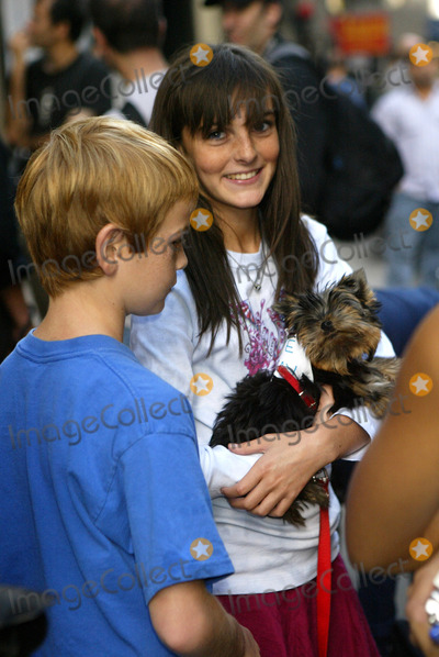 Aliana Lohan Photo - NEW YORK SEPTEMBER 28 2005    Dakota Lohan and Aliana Lohan on the set of Lindsay Lohans new music video with a puppy that has a piece of paper attached to it that says I Love Lindsay