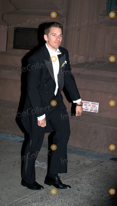 Alexandra Shiva Photo - Celebrities in town for the wedding of Alexandra Shiva and Jonathan Sherman Pictured Ethan Hawke New York May 17 2003
