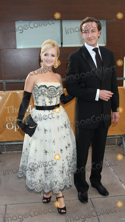 ANNIKA CONNOR Photo - Annika Connor (L) at the Metropolitan Opera opening night with a performance of Tosca at the Lincoln Center for the Performing Arts on September 21 2009 in New York City