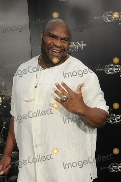 Bob Sapp Photo - Kickboxer and actor Bob Sapp arriving at the premiere Conan The Barbarian on August 11 2011 in Los Angeles California