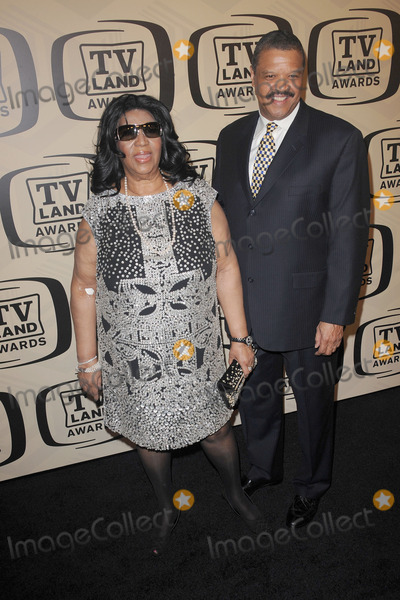Aretha Franklin Photo - April 14 2012 New York City Aretha Franklin and Willie Wilkerson arriving to the 10th Annual TV Land Awards at the Lexington Avenue Armory on April 14 2012 in New York City