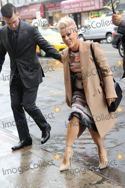 Photos and pictures december 10 2013 new york city carey hart alecia beth moore carey hart pink photo december 10 2013 new voltagebd Image collections
