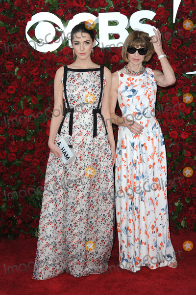 Anna Wintour Photo - June 12 2016  New York CityBee Shaffer and Anna Wintour attends the 70th Annual Tony Awards at The Beacon Theatre on June 12 2016 in New York CityCredit Kristin CallahanACE PicturesTel 646 769 0430
