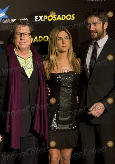 Andy Tennant Photo - Actor Gerard Butler (R) actress Jennifer Aniston (C) and director Andy Tennant (L)  at the Exposados (The Bounty Hunter) premiere at the Callao cinema on March 30 2010 in Madrid Spain