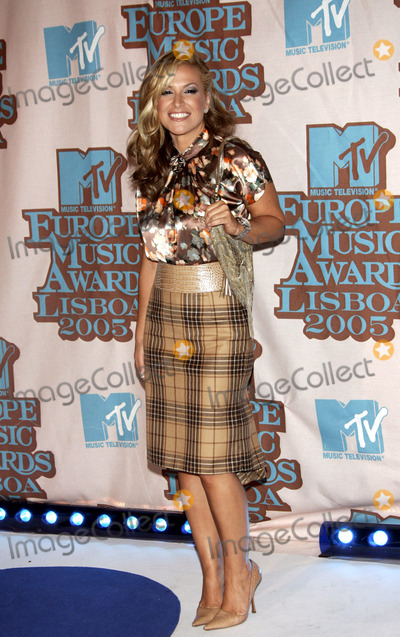 Anastacia Photo - LISBON PORTUGAL 2005     Anastacia at the Awards Room At MTV Europe Music Awards 2005