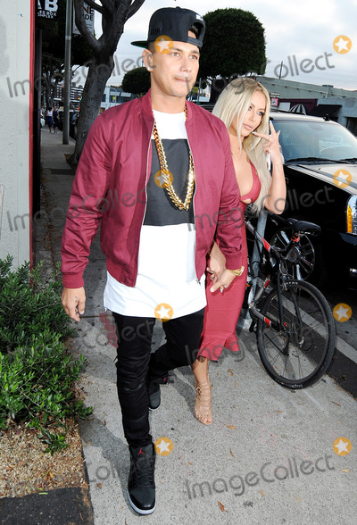 Aubrey ODay Photo - June 14 2016 LAPaul DelVecchio and  Aubrey ODay hold hands as they go out on June 14 2016 in LABy Line SolarACE PicturesACE Pictures Inctel 646 769 0430