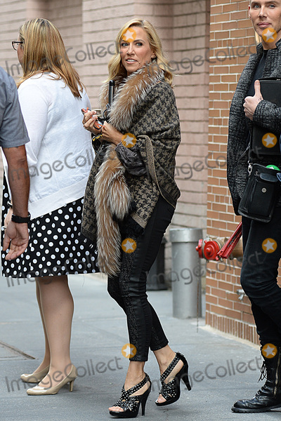 Sheryl Crowe Photo - October 3 2016 New York CitySheryl Crow made an appearance on The View in New York City on October 3 2016Credit Kristin CallahanACE PicturesTel 646 769 0430