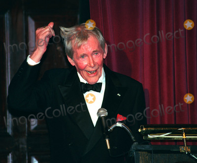 Peter OToole Photo - Thats how I thicken my hair  Peter OToole at the Players Clubs Pipe Night For Peter OToole Benefit in New York January 27 2002  2002 by Alecsey BoldeskulNY Photo Press  ONE-TIME REPRODUCTION RIGHTS