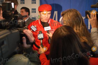 Aleta St James Photo - NEW YORK NOVEMBER 10 2004 Guardian Angels leader Curtis Sliwa at Aleta St James press conference