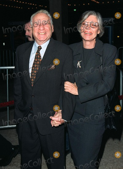 Anne Bancroft Photo - 20JAN98  Actress ANNE BANCROFT  actordirector husband MEL BROOKS at the world premiere of her new movie Great Expectations in Century City Los Angeles She stars in the movie with Gwyneth Paltrow Robert De Niro