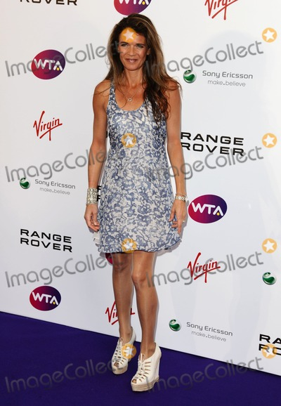 Annabel Croft Photo - Annabel Croft arriving for the Pre Wimbledon Party Kensington Roof Gardens London 16072011  Picture by Alexandra Glen  Featureflash
