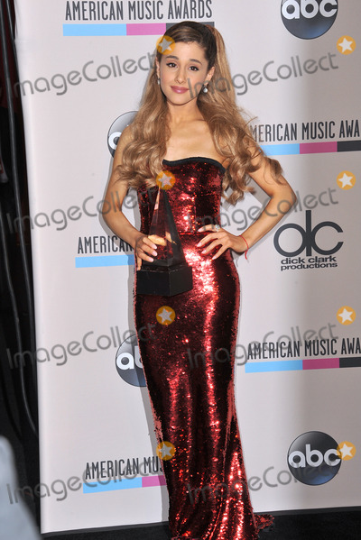 Ariana Grande Photo - Ariana Grande in the pressroom at the 2013 American Music Awards at the Nokia Theatre LA LiveNovember 24 2013  Los Angeles CAPicture Paul Smith  Featureflash