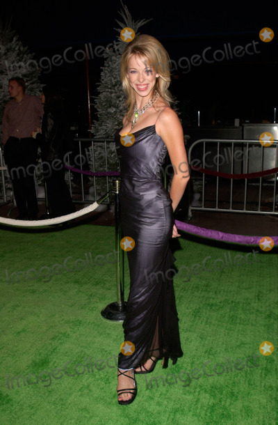 The Grinch Photo - Actress LACEY KOHL at the world premiere at Universal City of Dr Seuss How The Grinch Stole Christmas08NOV2000   Paul Smith  Featureflash