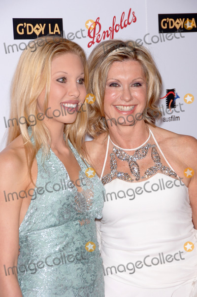 Olivia Newton-John Photo - Singeractress OLIVIA NEWTON-JOHN  daughter CHLOE LATTANZI at the Penfolds Icon Gala Dinner part of the GDay LA Australia Week at the Hollywood PalladiumOlivia was presented with the Lifetime Achievement AwardJanuary 14 2006  Los Angeles CA 2006 Paul Smith  Featureflash