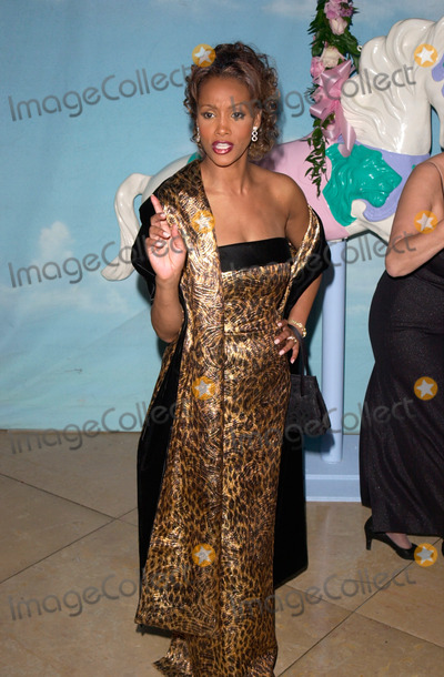 Vivica A Fox Photo - Actress VIVICA A FOX at the Carousel of Hope Ball 2000 at the Beverly Hilton Hotel28OCT2000   Paul Smith  Featureflash