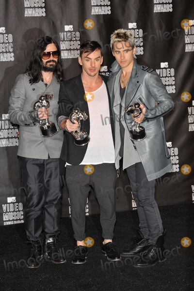30 Seconds to Mars Photo - 30 Seconds to Mars - Tomo Milicevic Jared Leto  Shannon Leto - at the 2010 MTV Video Music Awards at the Nokia Theatre LA Live in downtown Los AngelesSeptember 12 2010  Los Angeles CAPicture Paul Smith  Featureflash