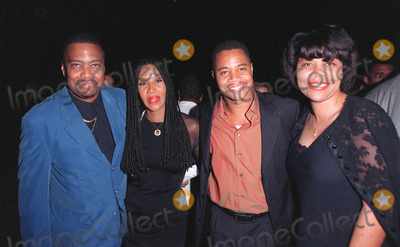 Annabella Sciorra Photo - 28SEP98  Actor CUBA GOODING JR (right)  father CUBA GOODING SR mother SHIRLEY  sister APRIL at the Beverly Hills premiere of What Dreams May Come in which Gooding Jr stars with Robin Williams  Annabella Sciorra