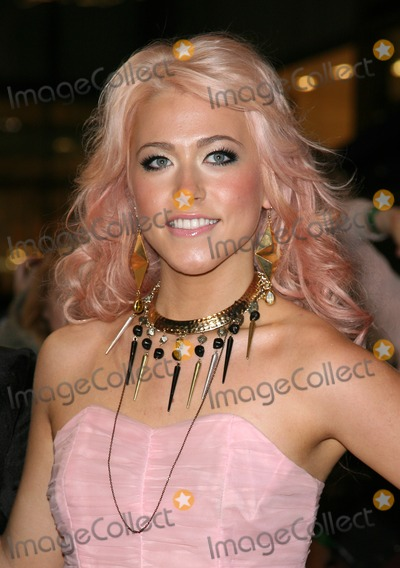 Amelia Lily Photo - X Factors Amelia Lily arriving for the UK premiere of The Twilight Saga Breaking Dawn Part 1 at Westfield Stratford City London 17112011 Picture by Alexandra Glen  Featureflash