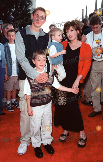 Michael Brandon Photo - 13NOV99  Actresssinger MARIE OSMOND  sons Stephen Michael  Brandon at the world premiere of DisneyPixars Toy Story 2 at the El Capitan Theatre Hollywood Paul Smith  Featureflash