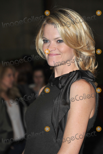Missi Pyle Photo - Missi Pyle on Stage 5 at Red Studios in Hollywood where the cast  crew of The Artist were presented with the inaugural Made in Hollywood award from the Los Angeles City Council by council member Tom LaBongeThe movie which has 10 Academy Award nominations was filmed at the studio and on location around HollywoodJanuary 31 2012  Los Angeles CAPicture Paul Smith  Featureflash