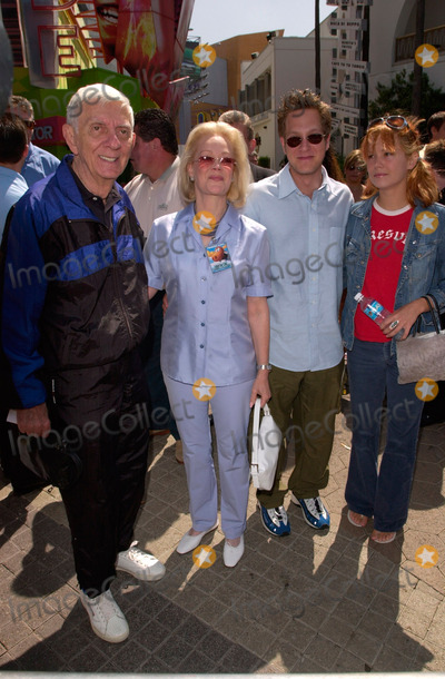 Aaron Spelling Photo - Producer AARON SPELLING (left)  wife CANDY with son RANDY  girlfriend at the world premiere in Los Angeles of The Adventures of Rocky and Bullwinkle