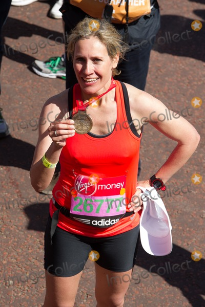 Sophie Raworth Photo - Sophie Raworth poses at the 2014 Virgin Active London Marathon Blackheath Common London 13042014 Picture by Dave Norton  Featureflash
