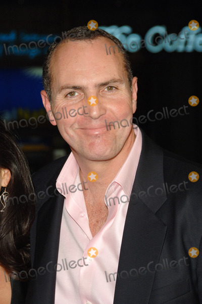 Arnold Vosloo Photo - ARNOLD VOSLOO at the Los Angeles premiere of his new movie Blood Diamond at Graumans Chinese Theatre HollywoodDecember 6 2006  Los Angeles CAPicture Paul Smith  Featureflash