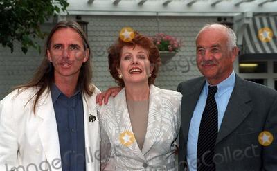 Armin Mueller-Stahl Photo - 21MAR97  Shine director SCOTT HICKS (left)  stars LYNNE REDGRAVE  ARMIN MUELLER-STAHL at the BAFTA tea party in Los Angeles for the Oscar nominees Pix PAUL SMITH