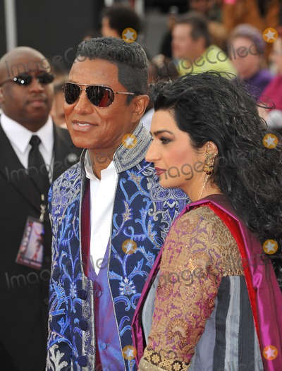 Halima Rashid Photo - Jermaine Jackson  wife Halima Rashid at the premiere of Michael Jacksons This Is It at the Nokia Theatre LA Live in downtown Los AngelesOctober 27 2009  Los Angeles CAPicture Paul Smith  Featureflash