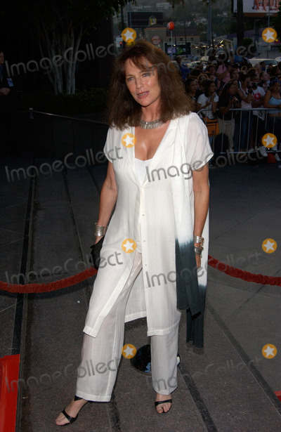 Jacqueline Bisset Photo - Actress JACQUELINE BISSET at the world premiere in Los Angeles of Original Sin31JUL2001  Paul SmithFeatureflash