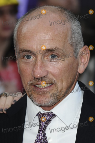 Barry McGuigan Photo - Barry McGuigan arriving for the 2011 Pride Of Britain Awards at the Grosvenor House Hotel London 04102011 Picture by Steve Vas  Featureflash