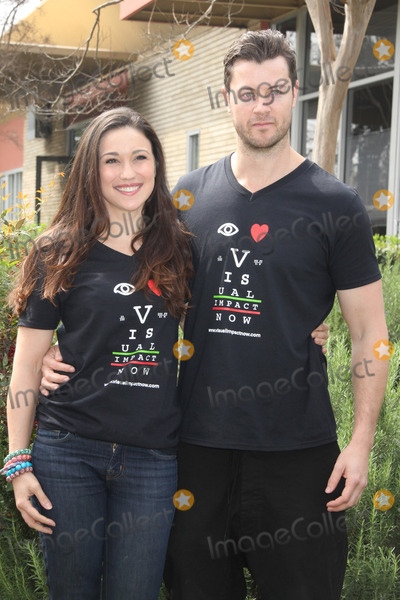 Jenna Lind Photo - Jenna Lind Daniel Feuerriegel03202013 2013 Visual Impact Nowh Charity Event with eSpartacus War of the Damnedf Cast Volunteer held at Visual Impact Now Eye Clinic Los Angeles Science Center Los Angeles CA Photo by Hanako Sato  HollywoodNewsWirenet