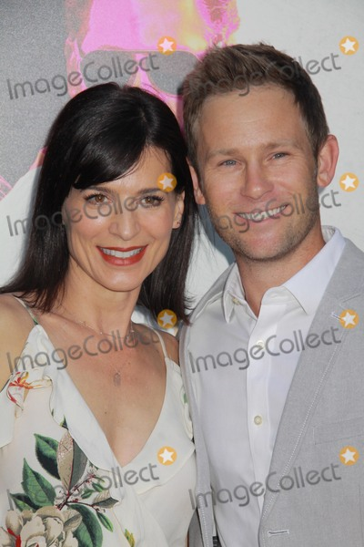 Aaron Fox Photo - Perrey Reeves Aaron Fox08152016 War Dogs Premiere held at the TCL Chinese Theater in Hollywood CAPhoto by Hiroto Takarada  HollywoodNewsWirenet