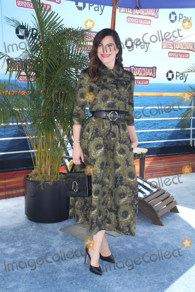 Kathryn Hahn Photo - Kathryn Hahn 06302018 The World Premiere of Hotel Transylvania 3 Summer Vacation held at Regency Village Theater in Los Angeles CA Photo by Izumi Hasegawa  HollywoodNewsWireco