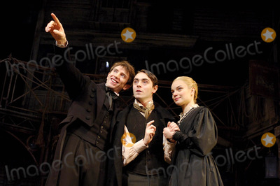 Hannah Yelland Photo - London UK Daniel Weyman (Nicholas Nickleby) David Dawson (Smike) and Hannah Yelland (Kate Nickleby) in a scene from Nicholas Nickleby at the Gielgud Theatre on Shaftesbury Avenue in London06 December 2007Ali KadinskyLandmark Media