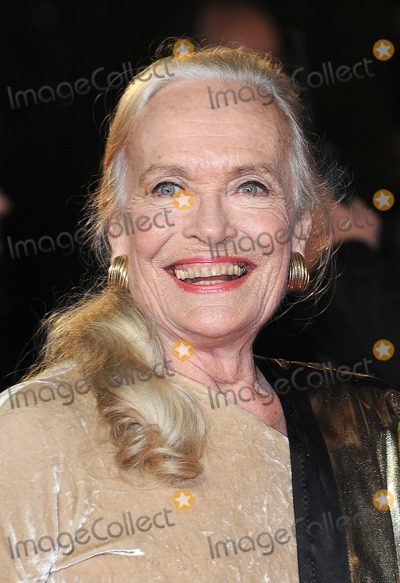 Shirley Eaton Photo - London UK  231012Shirley Eaton at the Royal World Premiere of the film Skyfall held at the Royal Albert Hall in Kensington23 October 2012Landmark Media