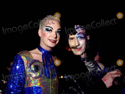 Andrew Logan Photo - London Andrew Logan And Compar Julian Cleary at Alternative Miss World 200422 November 2004Morgan ODonovanLandmark Media
