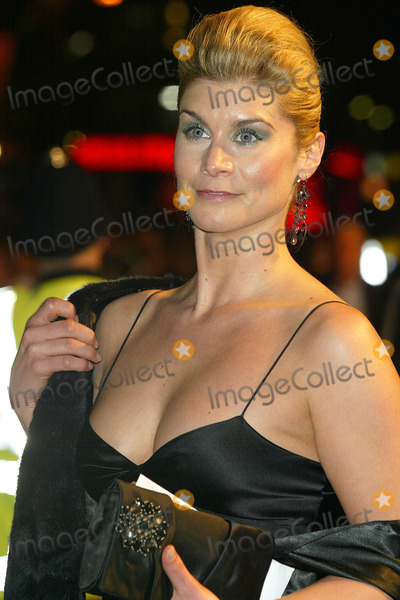 Kim Tiddy Photo - London Kim Tiddy (The Bill) at the Premiere of Mrs Henderson Presents at the Vue Cinema Leicester Square23 November 2005Jenny RobertsLandmark Media